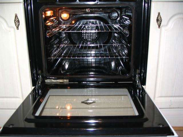Flat Oven Cleaning Service in the Chichester and Bognor area
